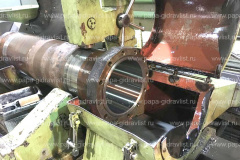 Гильза цилиндра опрокидывающего механизма CAT после расточки